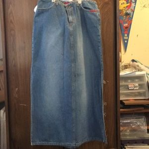 Dresses & Skirts - Jean denim skirt w sparkles  sz 33/11